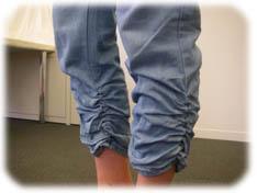 カーゴクロップドパンツの裾