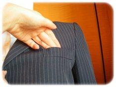 エティックスーツの胸ポケット