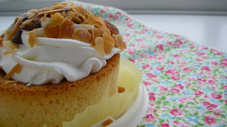 ファミリーマートの新スフレパンケーキの写真