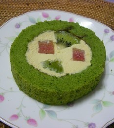 グリーンスムージーのロールケーキ