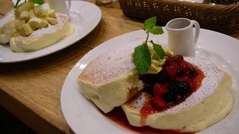 プレーンとベリーのパンケーキ