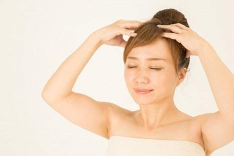 頭皮の血行を促すマッサージ